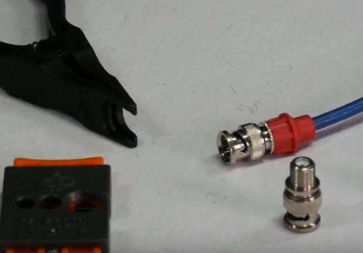 Wiederverwendbarer BNC Kompressions-Stecker für verschiedene Kabelstärken