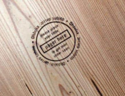 RFID Brandmarke - Markierung auf Tisch eingebrennt