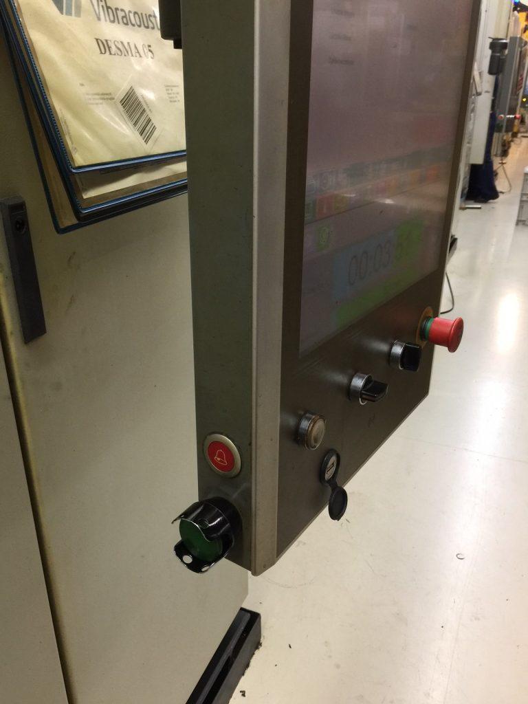Maschinen-Melder als Einbaurufknopf mit 200m Funk und Repeater