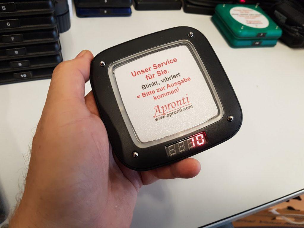 Gäste-Pager als Hardware Version oder als Push-Nachricht zum Gast auf sein Smartphone